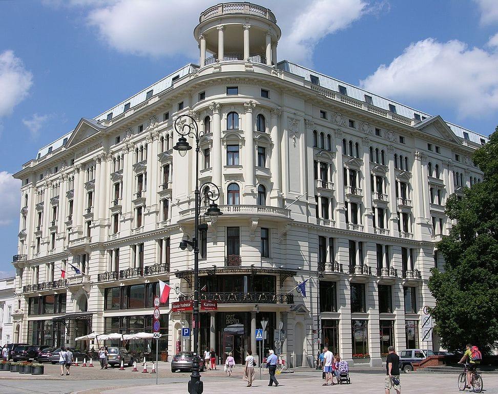 Hotel Bristol sur la Voie Royale dans le quartier Centre-Nord de Varsovie - Photo d'Adrian Grycuk