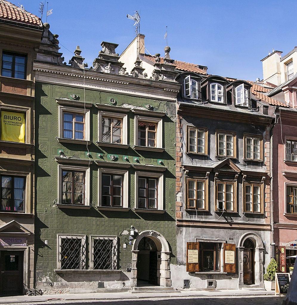 Dans la rue Wąski Dunaj dans la Vieille Ville de Varsovie - Photo de K.Przygodzki