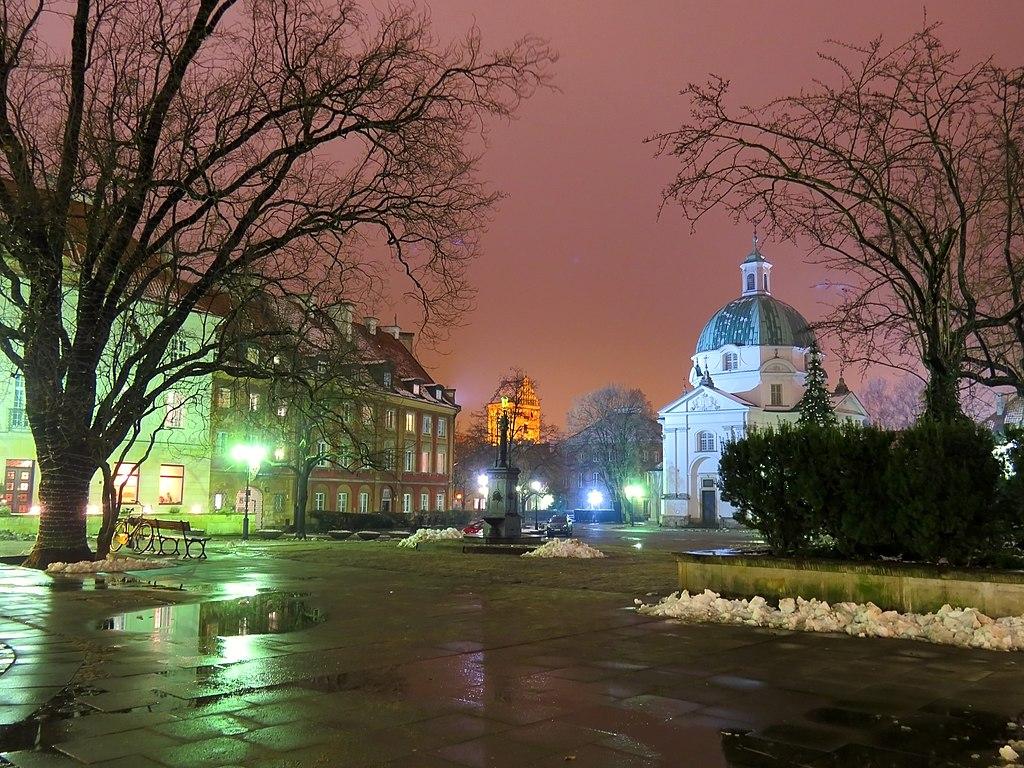 Eglise św.Kazimierza sur le Rynek de la Nouvelle Ville de Varsovie - Photo d'Аимаина хикари