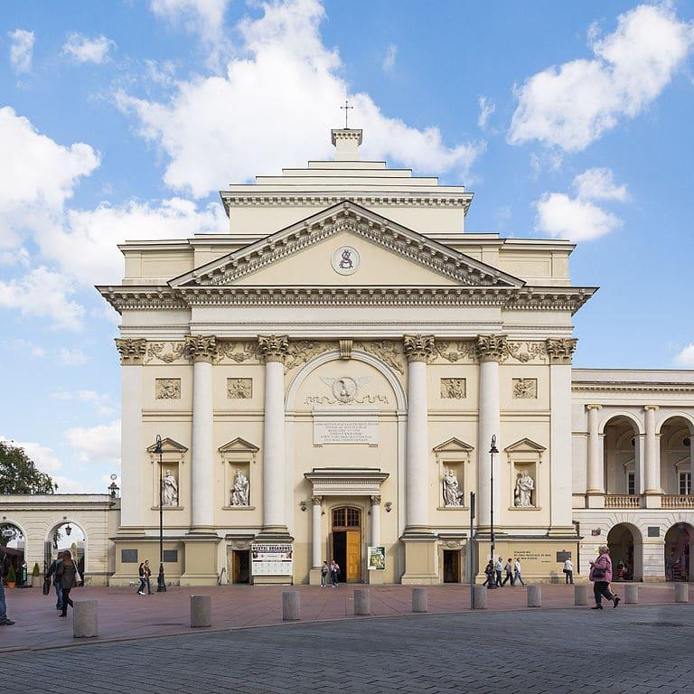 Eglise Swietej Anny (Sainte Anne) de Varsovie. Photo de Sempoo.