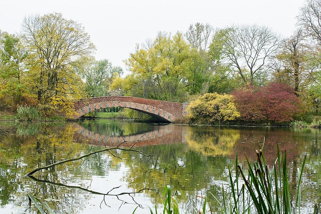 Pont romain dans le parc de Wilanow à Varsovie - Photo de Dariusz Kowalczyk
