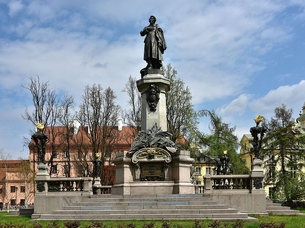 Statue d'Adam Mickiewicz à Varsovie - Photo d'Adrian Grycuk