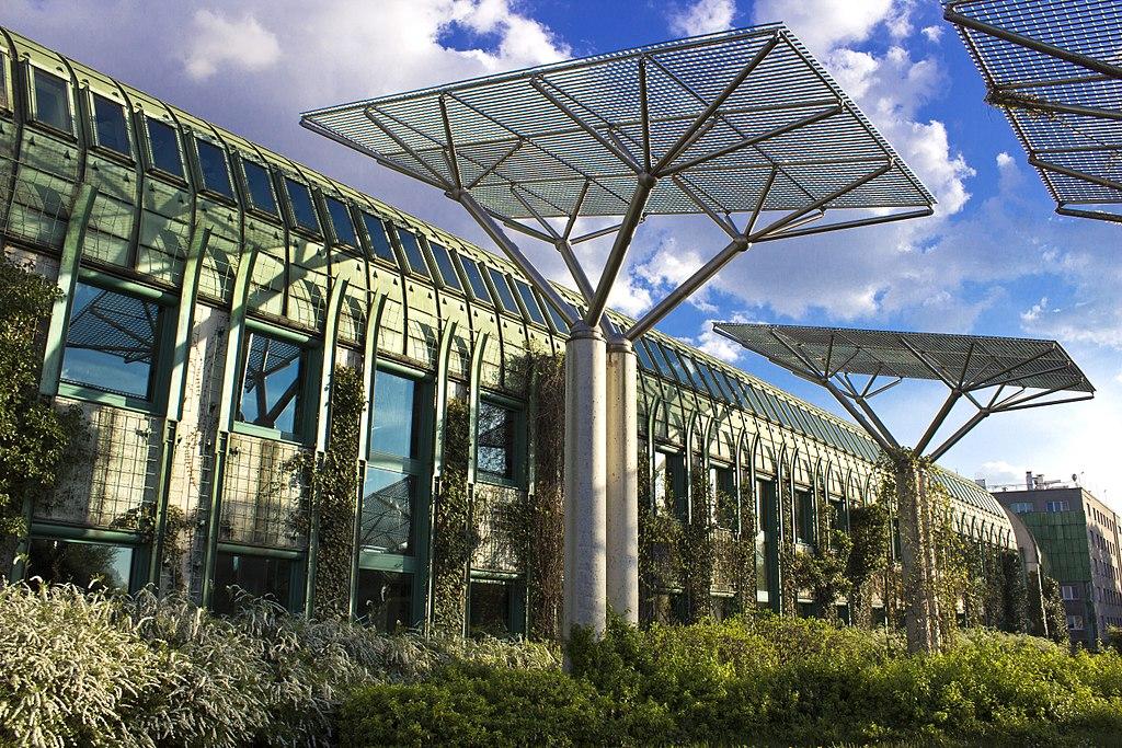 > Jardin sur le toit de l'Université de Varsovie. Photo de Laima Gūtmane