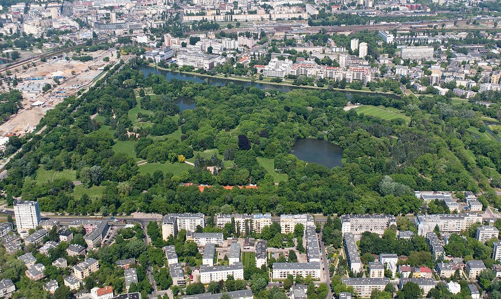 Vue aérienne sur le parc Skaryszewski à Varsovie - Photo d'Adam Kliczek