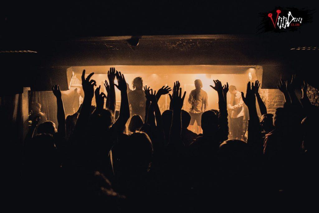Sortir à Varsovie : Concert dans le club Voodoo.