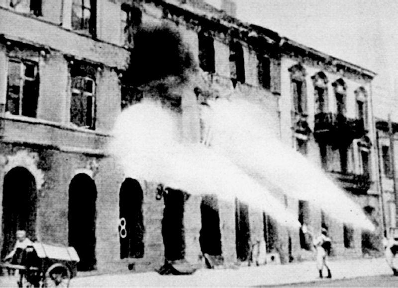 Destruction de Varsovie par les Allemands après l'insurrection de 1944.