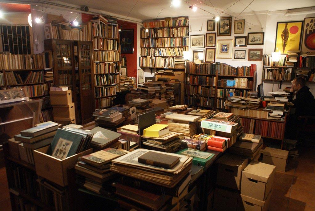 Librairie Antykwariat Kwadryga à Varsovie.
