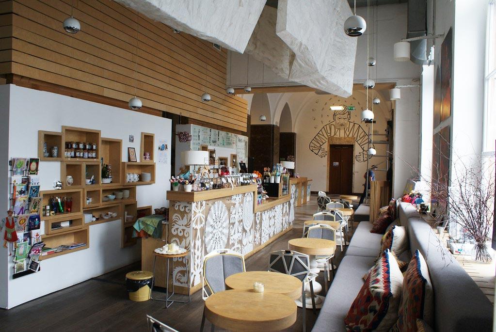 Café et boutique du musée ethnographique de Varsovie.