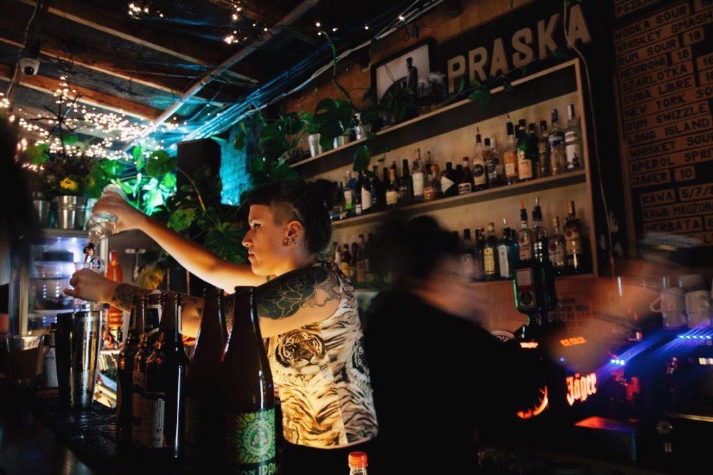 Bar Praska dans le quartier de Praga à Varsovie.