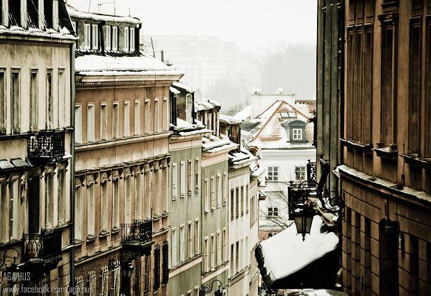 Quartier de Mariensztat à Varsovie : Ulica Debnarska en hiver - Photo de Aga Hus