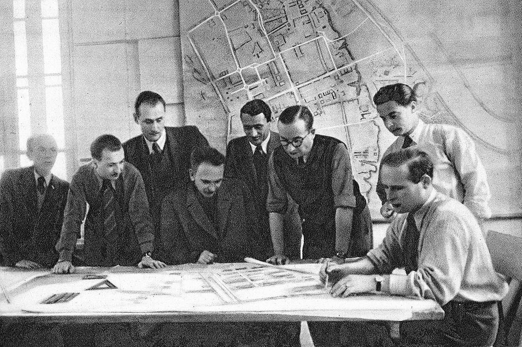 BOS ou bureau de reconstruction de la capitale polonaise.