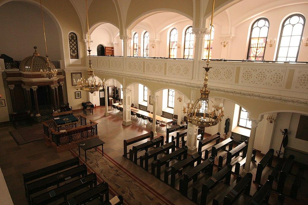 Intérieur de la synagogue Nozyk de Varsovie - Photo d'Ana Paula Hirama