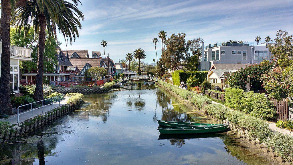 Un des canaux historiques de Venice Beach à Los Angeles - Photo d'Outdoorus