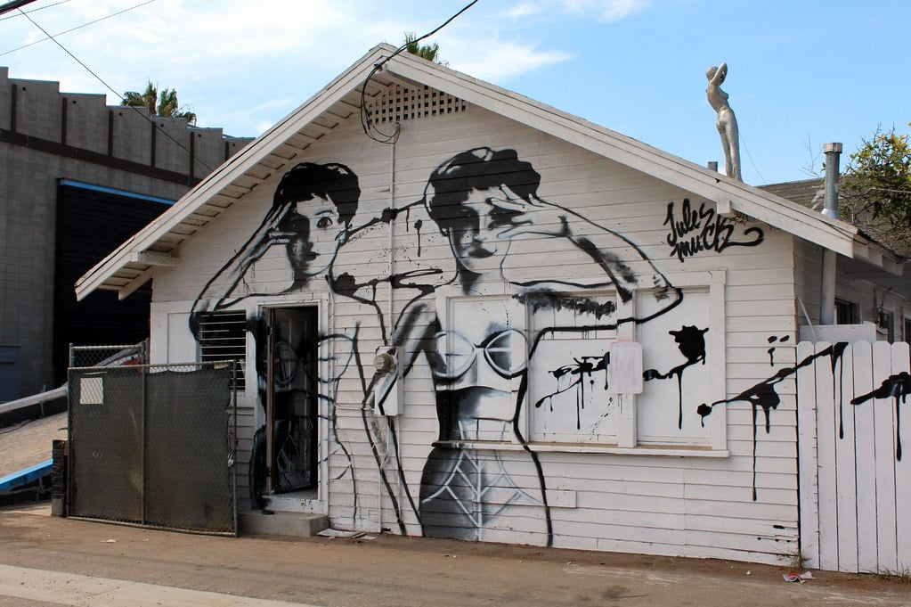 Street art à Venice Beach : Oeuvre de Willye Wilson - Photo de Wally Gobetz