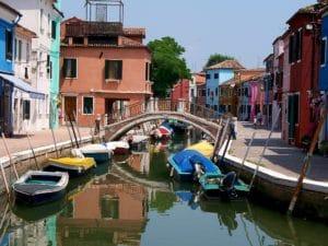 Ile de Burano, couleurs et dentelle près de Venise