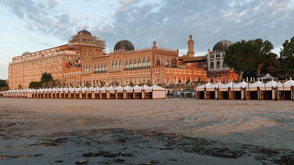 Hotel Excelsior sur le Lido de Venise - Photo de Florian Fuchs