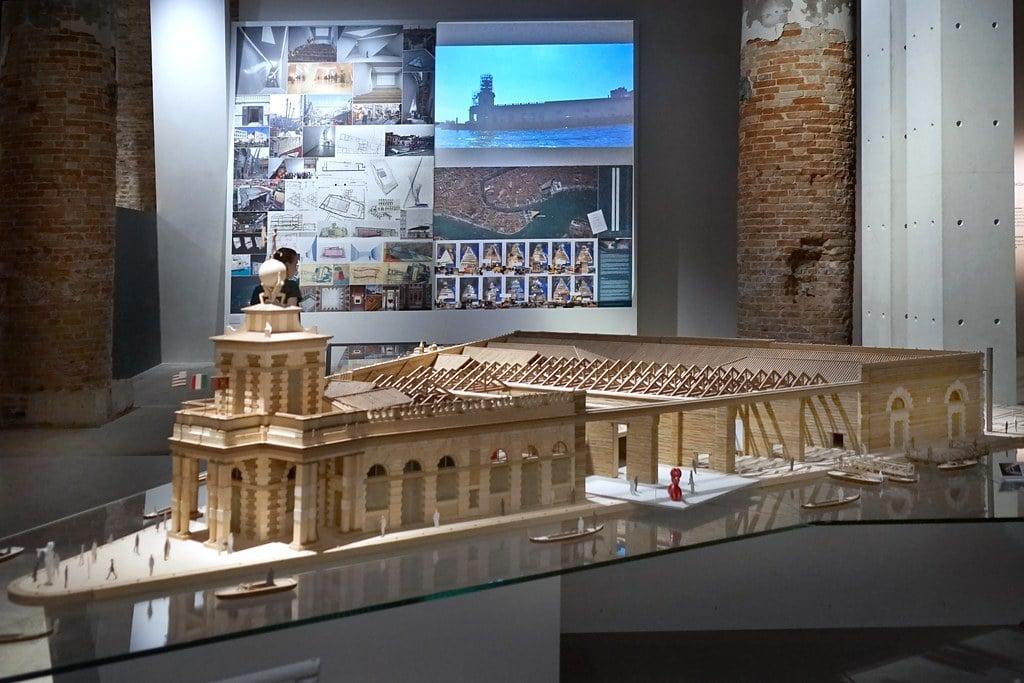 Maquette de la Punta della Dogana à Venise - Photo de Dalbera