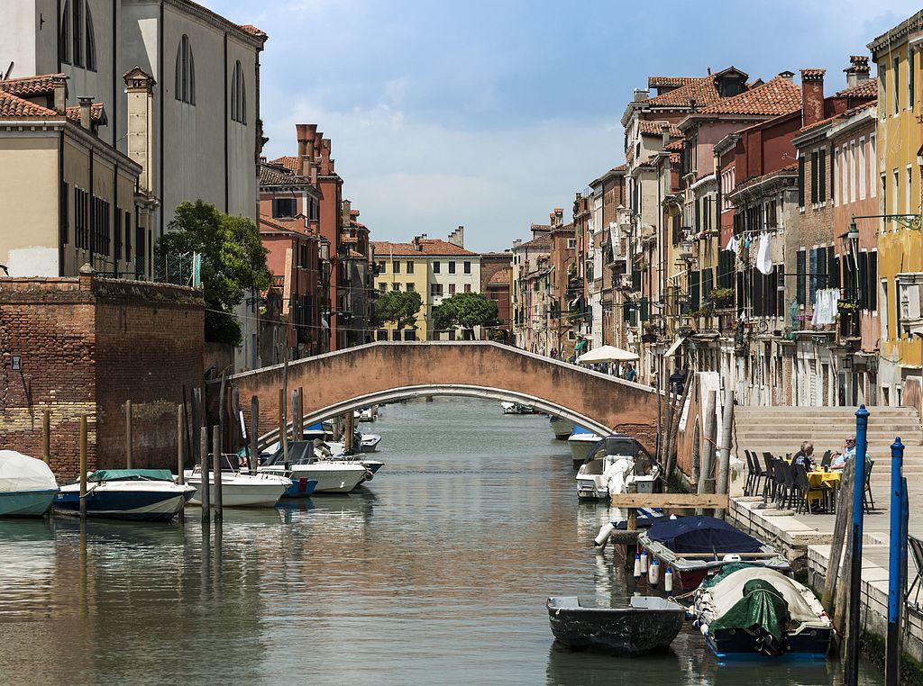 Ponte di San Girolamo dans le quartier de Cannaregio à Venise - Photo de Didier Descouens