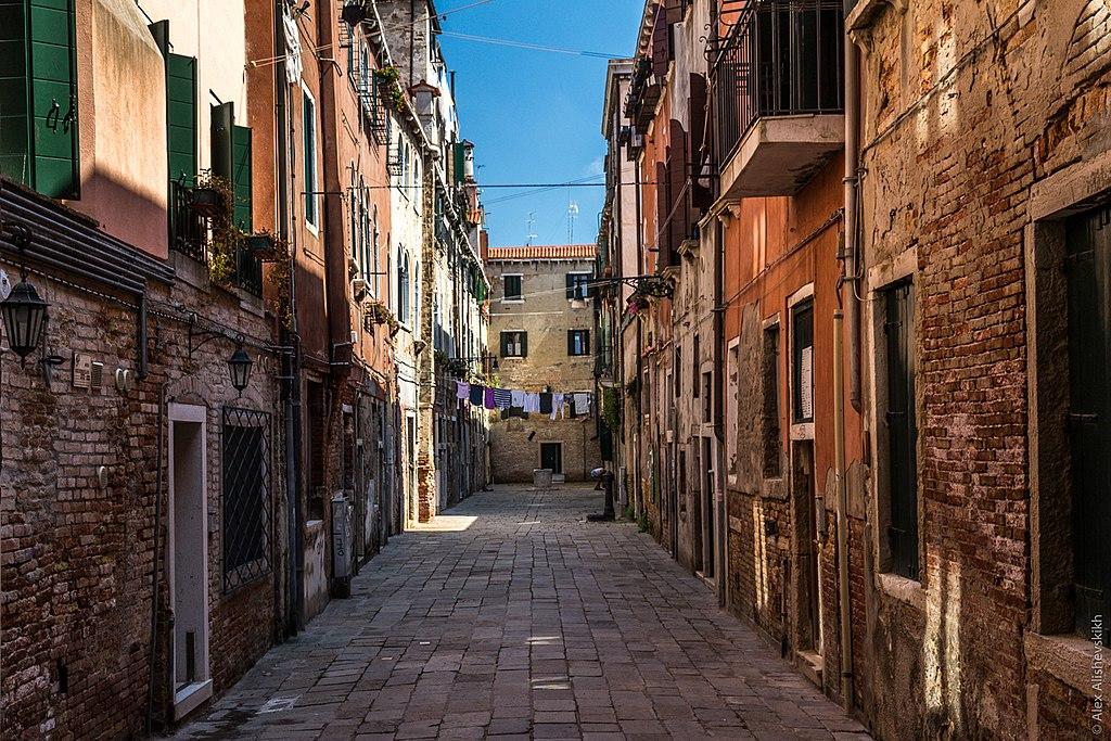 Corte Nova dans le quartier de Castello à Venise - Photo d'Alex Alishevskikh