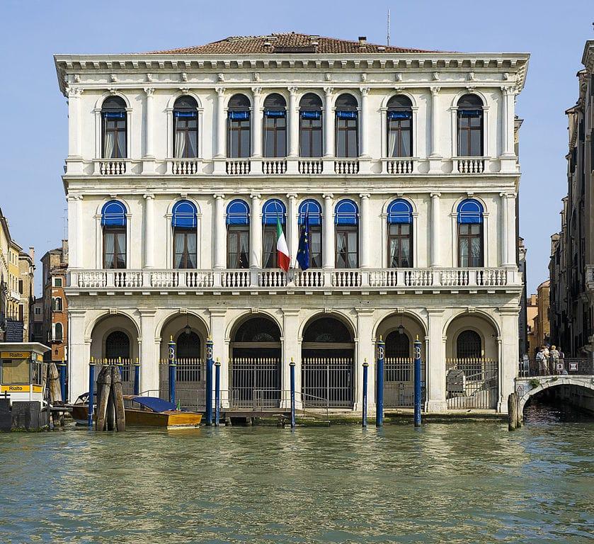 Palazzo Dolfin Manin sur le Grand Canal à Venise - Photo de Didier Descouens
