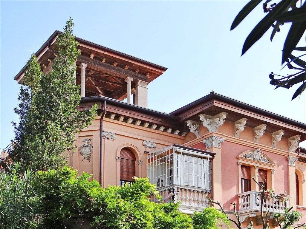 Villa Erinna ou Lucina de style Art Nouveau sur le Lido à Venise - Photo de Dalbera