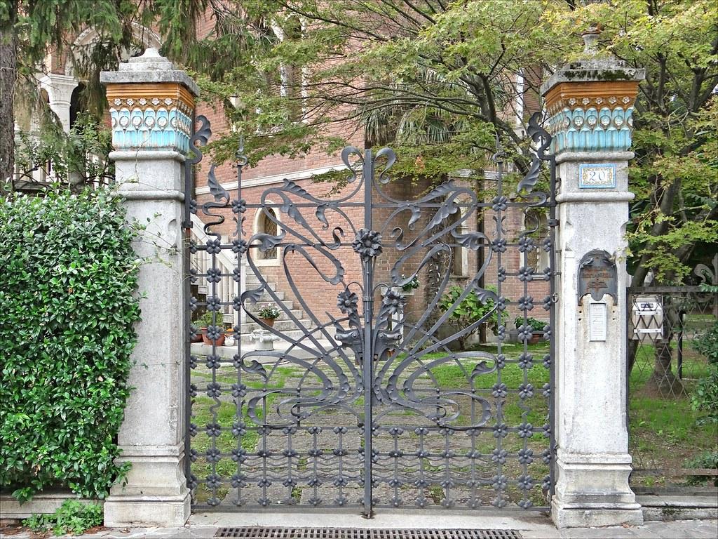 Villa Romanelli de style Art Nouveau sur le Lido à Venise - Photo de Dalbera