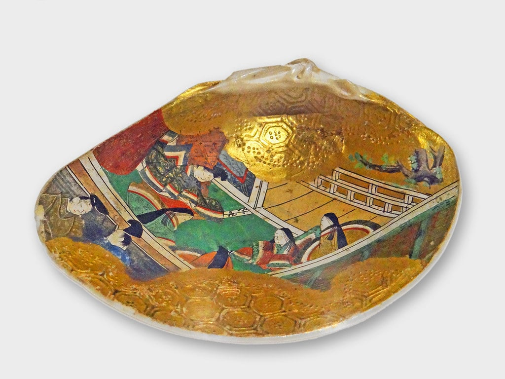 Peinture sur coquillage Kai, coquillage peint pour le jeu de Kai-Awase au Ca'Pesaro à Venise - Photo de Dalbera