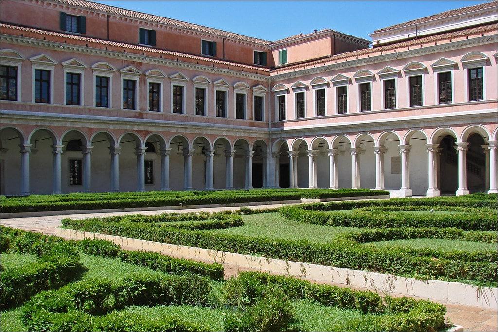 Cloître de la Fondation Cini sur l'île San Giorgio Maggiore à Venise - Photo de Dalbera