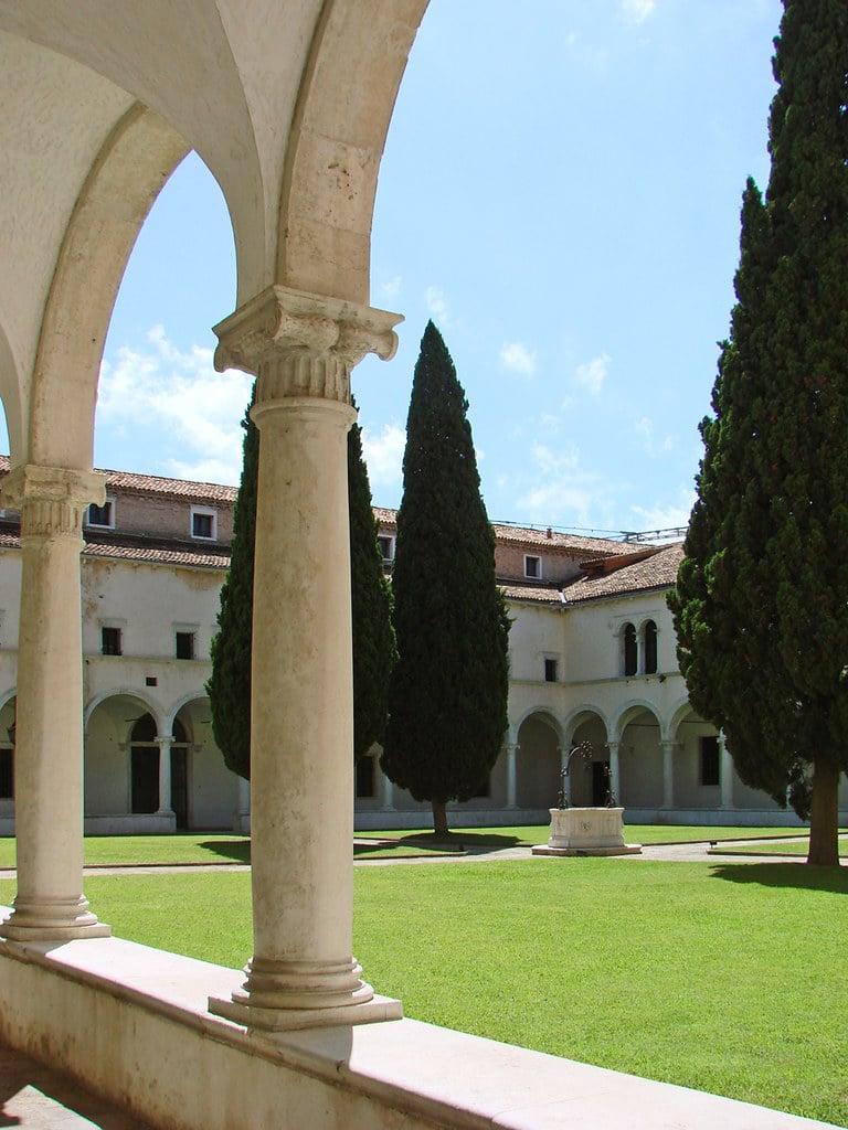 Cloître de la Fondation Cini sur l'île San Giorgio Maggiore à Venise