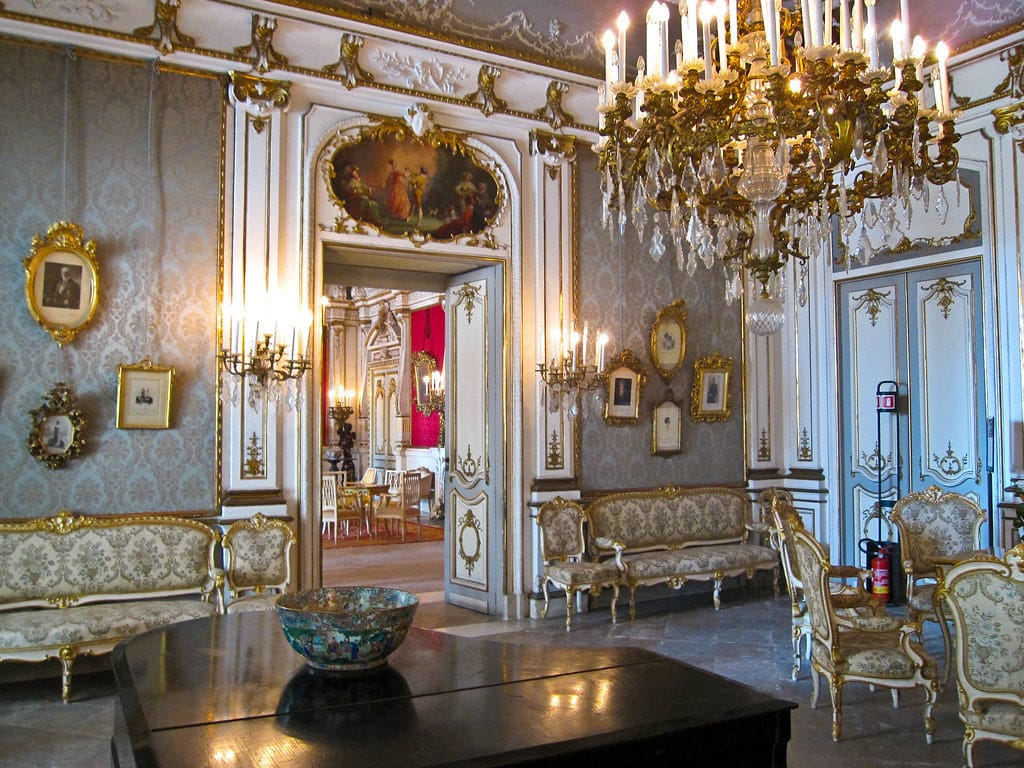 Intérieur somptueux de la Villa Pignatelli à Naples - Photo d'Armando Mancini